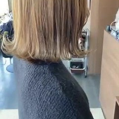 ブリーチ 切りっぱなしボブ アッシュベージュ ミディアム ヘアスタイルや髪型の写真・画像