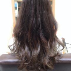 外国人風 ゆるふわ ロング グラデーションカラー ヘアスタイルや髪型の写真・画像