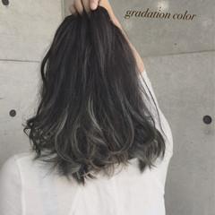 セミロング 渋谷系 外国人風 ガーリー ヘアスタイルや髪型の写真・画像
