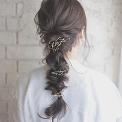 ミディアム ヘアアレンジ 結婚式 くせ毛風 ヘアスタイルや髪型の写真・画像