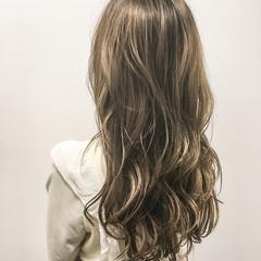 アッシュ グラデーションカラー 暗髪 ロング ヘアスタイルや髪型の写真・画像
