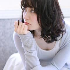 大人かわいい ミディアム コンサバ 暗髪 ヘアスタイルや髪型の写真・画像