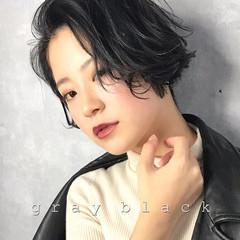 ナチュラル 暗髪 グレージュ オフィス ヘアスタイルや髪型の写真・画像
