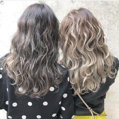外国人風カラー ロング ハイライト グラデーションカラー ヘアスタイルや髪型の写真・画像