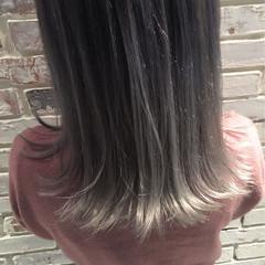 ミディアム ストリート ホワイトアッシュ グラデーションカラー ヘアスタイルや髪型の写真・画像
