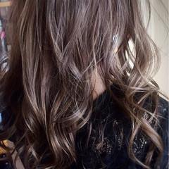 外国人風カラー ロング スモーキーアッシュ 外国人風 ヘアスタイルや髪型の写真・画像