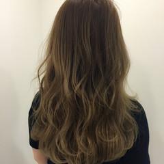 アッシュベージュ ハイライト グラデーションカラー ロング ヘアスタイルや髪型の写真・画像