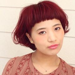 ベリーショート マッシュ ガーリー ショートバング ヘアスタイルや髪型の写真・画像