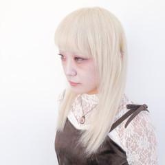 ブリーチ セミロング ブリーチオンカラー ブリーチカラー ヘアスタイルや髪型の写真・画像