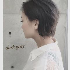 大人かわいい グレー 黒髪 アッシュ ヘアスタイルや髪型の写真・画像