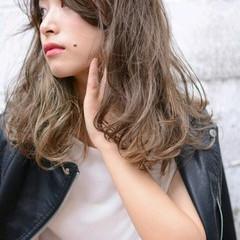 グラデーションカラー ストリート 外国人風 セミロング ヘアスタイルや髪型の写真・画像