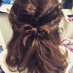 くるりんぱ 波ウェーブ 編み込み ミディアム ヘアスタイルや髪型の写真・画像