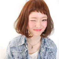ガーリー ボブ ショートバング オン眉 ヘアスタイルや髪型の写真・画像