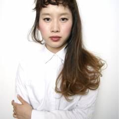 オン眉 ロング グラデーションカラー ガーリー ヘアスタイルや髪型の写真・画像