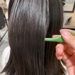 ベージュカラー ミディアム 髪質改善トリートメント 暗髪 ヘアスタイルや髪型の写真・画像