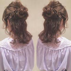 ヘアアレンジ ハーフアップ 女子会 セミロング ヘアスタイルや髪型の写真・画像