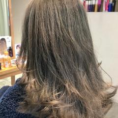 ミルクティーベージュ 上品 金髪 エレガント ヘアスタイルや髪型の写真・画像