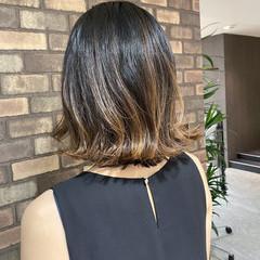 ハイライト ミディアム 切りっぱなし 大人ミディアム ヘアスタイルや髪型の写真・画像