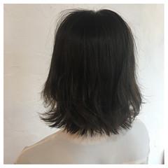 春ヘア ボブ 切りっぱなしボブ くすみカラー ヘアスタイルや髪型の写真・画像