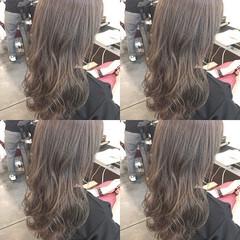 アッシュグレージュ セミロング アッシュベージュ グレージュ ヘアスタイルや髪型の写真・画像