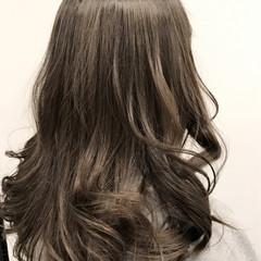 外国人風カラー ガーリー ダブルカラー グレージュ ヘアスタイルや髪型の写真・画像