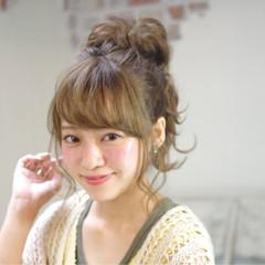 ハーフアップ セミロング ピュア 外国人風 ヘアスタイルや髪型の写真・画像