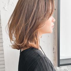 レイヤーカット デート パーティ エレガント ヘアスタイルや髪型の写真・画像