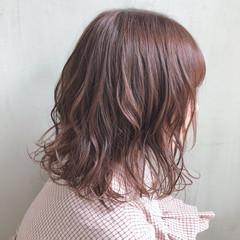 ミディアム  パーマ デート ヘアスタイルや髪型の写真・画像