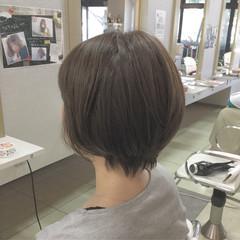 ショート 大人かわいい 斜め前髪 ナチュラル ヘアスタイルや髪型の写真・画像