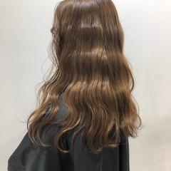ロング 極細ハイライト ナチュラル ダブルカラー ヘアスタイルや髪型の写真・画像