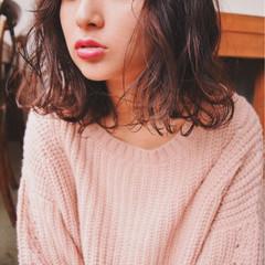 外ハネ シースルーバング ガーリー 大人かわいい ヘアスタイルや髪型の写真・画像