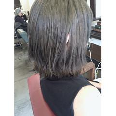 外国人風 グレージュ ブルーアッシュ アッシュ ヘアスタイルや髪型の写真・画像