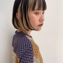 インナーカラー イヤリングカラー 切りっぱなしボブ ミニボブ ヘアスタイルや髪型の写真・画像