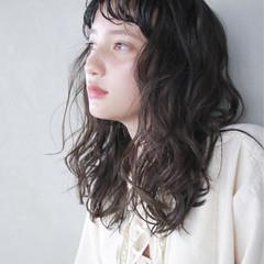 パーマ セミロング ストリート 外国人風 ヘアスタイルや髪型の写真・画像
