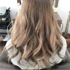外国人風 ロング アッシュ グラデーションカラー ヘアスタイルや髪型の写真・画像