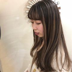 バレイヤージュ ハイライト インナーカラー ロング ヘアスタイルや髪型の写真・画像
