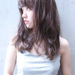 大人かわいい セミロング フェミニン ハイライト ヘアスタイルや髪型の写真・画像