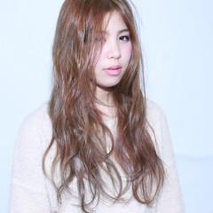 ブラウン フェミニン ゆるふわ 外国人風 ヘアスタイルや髪型の写真・画像