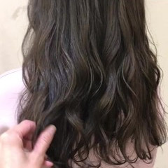 アッシュ 秋冬スタイル ハイライト ナチュラル ヘアスタイルや髪型の写真・画像