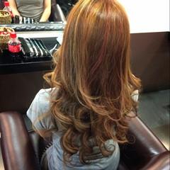 レッド 外国人風 ピンク ハイライト ヘアスタイルや髪型の写真・画像