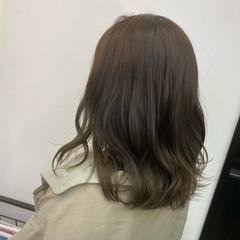 ダブルカラー ナチュラル ロブ グラデーションカラー ヘアスタイルや髪型の写真・画像
