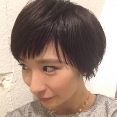 ショート 卵型 オン眉 秋 ヘアスタイルや髪型の写真・画像