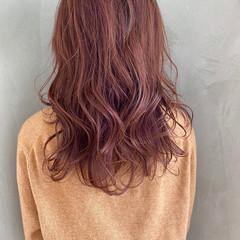 セミロング ラベンダーアッシュ ピンクアッシュ ナチュラル ヘアスタイルや髪型の写真・画像