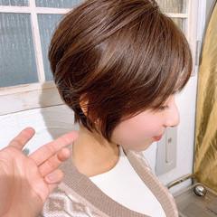 大人ショート ミルクティーベージュ ナチュラル ショート ヘアスタイルや髪型の写真・画像