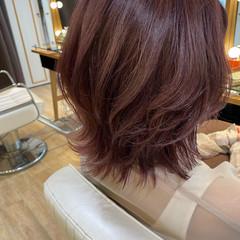 ピンクバイオレット ミディアム ピンクラベンダー ウルフカット ヘアスタイルや髪型の写真・画像