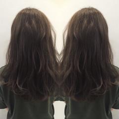 ダブルカラー ストリート アッシュグレー ロング ヘアスタイルや髪型の写真・画像