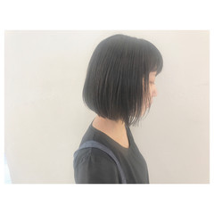 ワンレングス リラックス ボブ オフィス ヘアスタイルや髪型の写真・画像