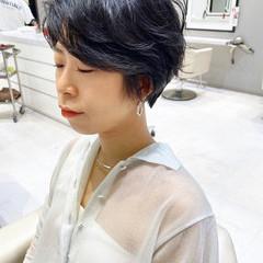 ショート ゆるふわパーマ 小顔ショート ナチュラル ヘアスタイルや髪型の写真・画像