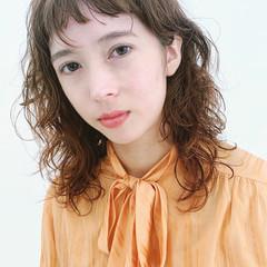 毛先パーマ エレガント 無造作パーマ セミロング ヘアスタイルや髪型の写真・画像