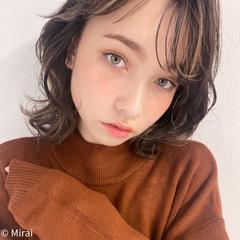 アンニュイほつれヘア ハイライト ミディアム インナーカラー ヘアスタイルや髪型の写真・画像